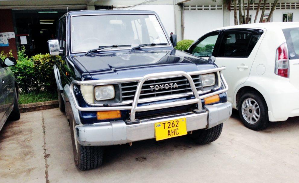 海外でも人気のKZJ78W型ランクルプラド70型